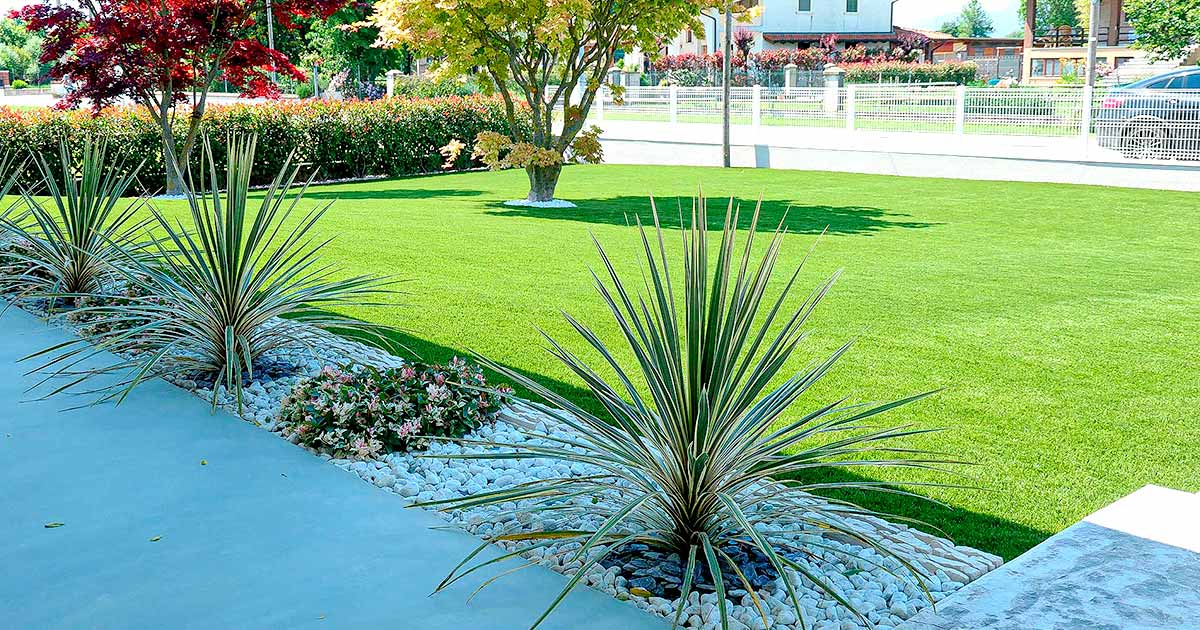 giardino-con-erba-sintetica